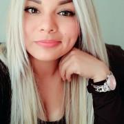 Blonde Pfote